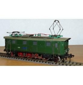 FLEISCHMANN  1332-1,  loco électrique 1C1 à bielles série E 32 DB