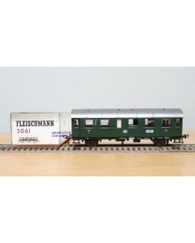FLEISCHMANN 5061, voiture à 3 essieux B5tm 2 Cl.SNCF BO