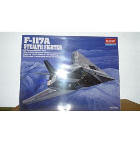 ACADEMY 2118 Chasseur furtif F- 117A  USAF Neuf  BO
