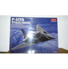 ACADEMY 2118 Chasseur furtif F- 117A  USAF Neuf  BO