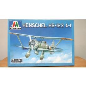 ITALERI 2632, HENSCHEL HS-123 A-1  BO Neuf 1/48
