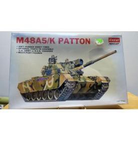 ACADEMY 1355, char américain M48 A5/K  PATTONNeuf  BO 1/48