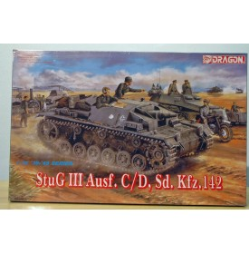 DRAGON 6009, canon automoteur  allemand StuG Ausf.III C / D, Sd.Kfz. 142  Neuf BO 1/35