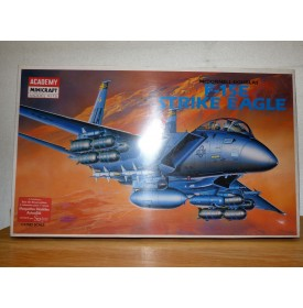 ACADEMY 2110, Mac Donnell Douglas F-15E Strike Eagle Neuf  BO 1/72