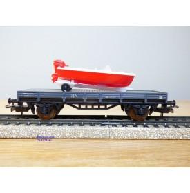 ELECTROTREN  1017, wagon plat chargé d' un canot sur remorque    RENFE  BO