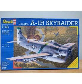 REVELL 04584, DOUGLAS  A-1H  Skyraider   Neuf  BO 1/48