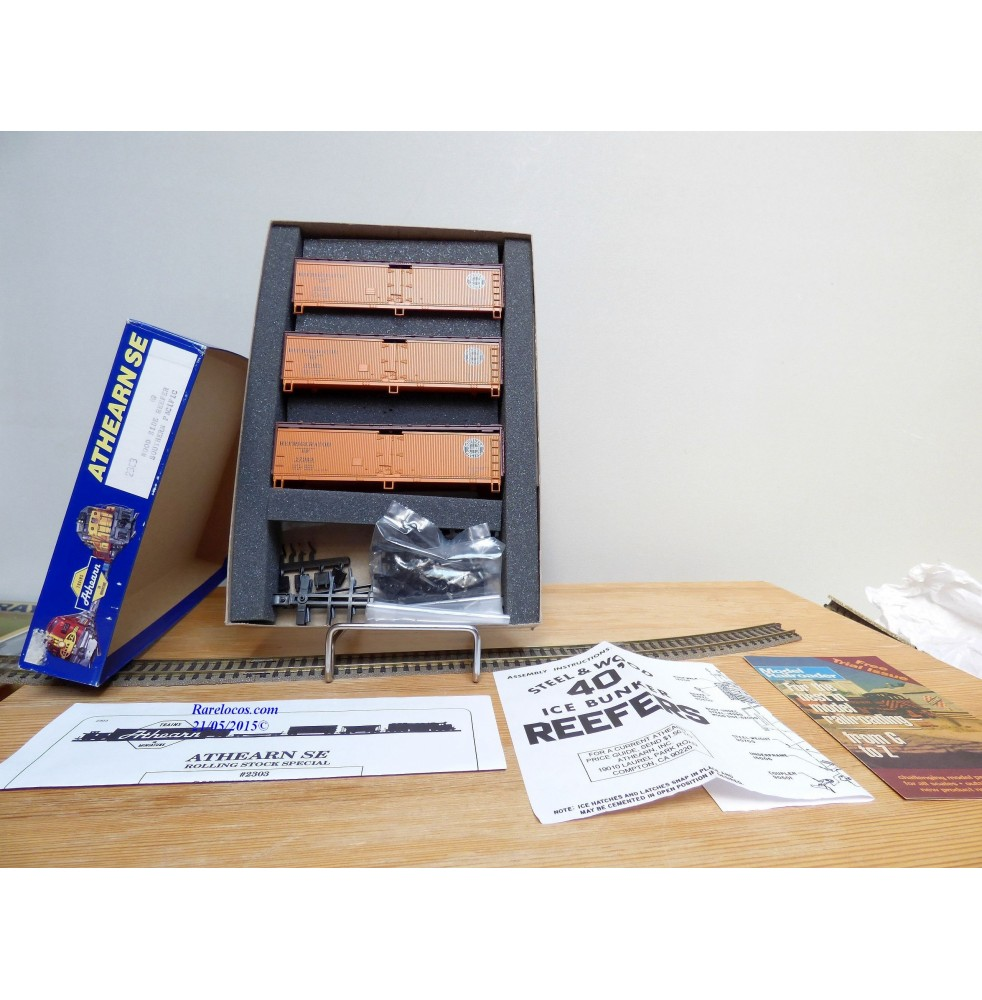 ATHEARN 2303, coffret de 3 wagons glacière ( Ice bunker reefer ) en kit SP  neuf BO (Ref: #2303)