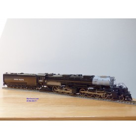 KEY Imports Famous trrains 4020 , loco Mallet  4 8 8 4 ( 2442 ) Big Boy  N° 4022  Union Pacific  ( UP )   BO