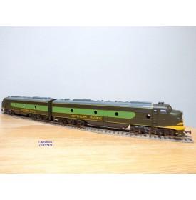 RIVAROSSI 1825, locos diesel EMD E8 AA  Northern Pacific  NP    BO