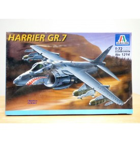 ITALERI 1214,   avion d'attaque à décollage vertical HAWKER HARRIER GR.7  RAF   Neuf    BO  1/72
