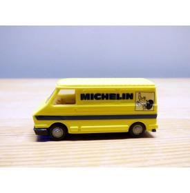 PRALINE  ????, camionette CITROEN C35  Michelin  1/87 ème  HO