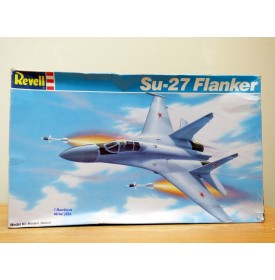 REVELL 4348, SUKHOI  Su-27 Flanker    neuf    BO  1/72