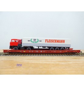 FLEISCHMANN  5274,  wagon surbaissé pour transport de camions type Saadkms.690 Rollende Landstrasse et camion MAN  DB  BO