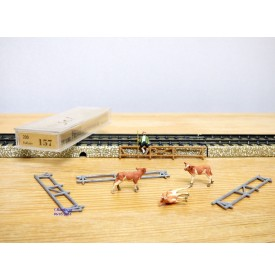 PREISER  157, berger, enclos  et 3 vaches   Neuf   BO