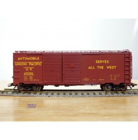 TRIX  24902-14 , wagon couvert transport autos     UNION PACIFIC   Neuf   BO