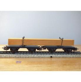 Märklin  4512.5 , couplage de 2 wagons plats à plate forme pivotantes ( Drehschemelwagen )  chargé de bois    DB    BO