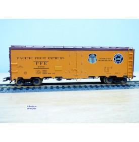 TRIX  24902-10 , wagon couvert réfrigérant ( reefer )   UNION   PACIFIC   UP   Neuf    BO