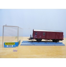 TRIX Express International  / Röwa  3610, wagon couvert  à compartiment  type Pwghs 054   DB  neuf  BO