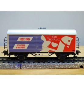 Märklin  87502 / 4415,  wagon couvert réfrigérant  Ichqrs 377 FAO SCHWARTZ    BO