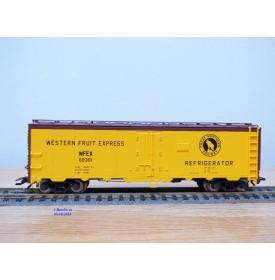 TRIX  24902-12 , wagon couvert réfrigérant ( reefer )   Western Fruit Express   GN   Neuf    BO