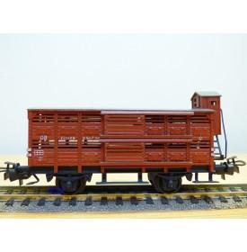 TRIX EXPRESS  426, wagon couvert à claire voie à guérite pour transport de volailles type Altona  DB  neuf  BO