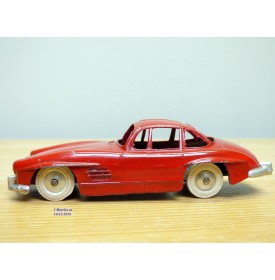 QUIRALU ( vrai, made in France ), Mercedes  SL papillon rouge