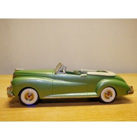 MINI MARQUE cs21a , Packard Clipper by Darrin for Errol Flynn onvertible 1941  neuf    BO
