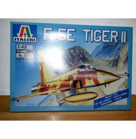 ITALERI 2615,  F-5E  TIGER  II   Neuf  BO 1/48
