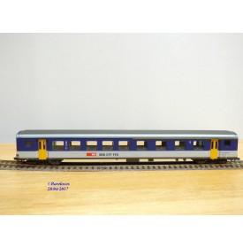 ROCO 44438, voiture grandes lignes    type AB  mixte  1/ 2 Kl.   SBB   neuf    BO