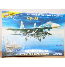 SVEZDA 3533 Char moyen russe T34/85 1/35