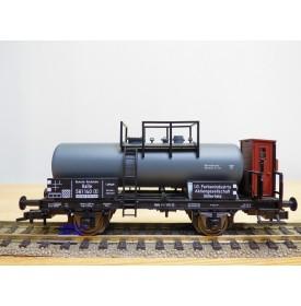 FLEISCHMANN 5440  K,  wagon citerne ancien  à plate forme de serre freins  I.G.Farben   DR  neuf    BO