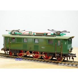 FLEISCHMANN  1332-2,  loco électrique 1C1 à bielles série E 32 DB