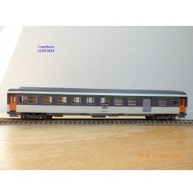 ROCO 4223A,   voiture mixte 2 Cl. / fourgon Corail   type B6 Dd2    SNCF   BO