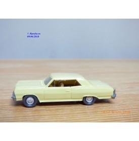WIKING  22m ,  Chevrolet 22 m  jaune paille    1/87   HO