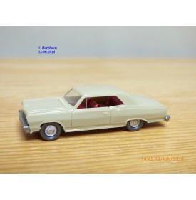 WIKING  22m ,  Chevrolet 22 m  beige  1/87   HO