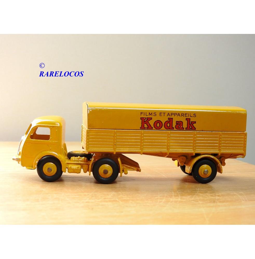 copy of Dinky Supertoys 888, camion grue saharien Berliet GBO BO