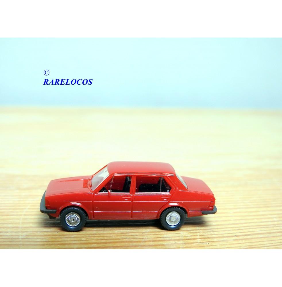 copy of WIKING, Volkswagen coupé Karmann Ghia rouge et noir neuf BO 1/87 HO
