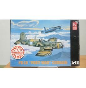HOBBY CRAFT HC 1529, GOODYEAR  FG-1D CORSAIR ( COIN) version après guerre Neuf BO 1/48