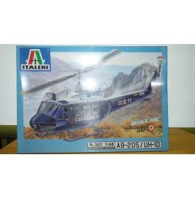 """ITALERI 2621 Hélicoptère AB-205/ UH-1D """"Huey"""" Neuf BO 1/48"""