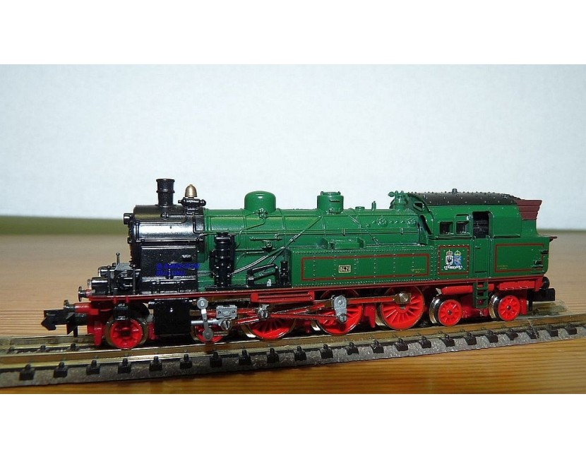 Trains électriques échelle N scale model trains locomotives engines Lokomotiven wagons cars Wagen Minitrix Arnold Fleischmann I