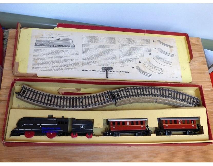 Divers: échelles rares, trains mécaniques,  etc..