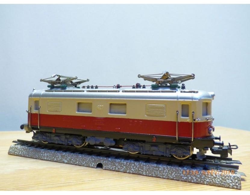 Trains électriques SWISSTOYS  Modellbahnen Model trains